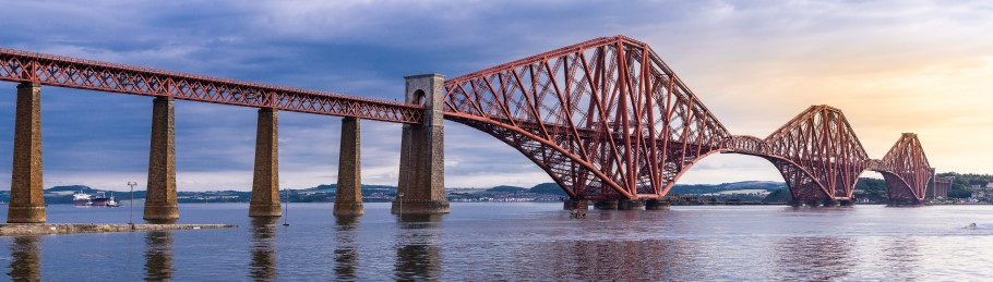 Image of the Forth Bridge in Scotland